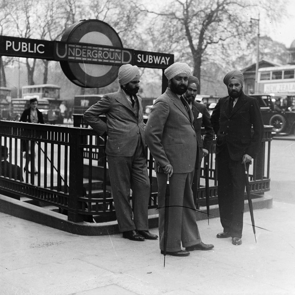 Hombres Sikh en 1935 en Londres.