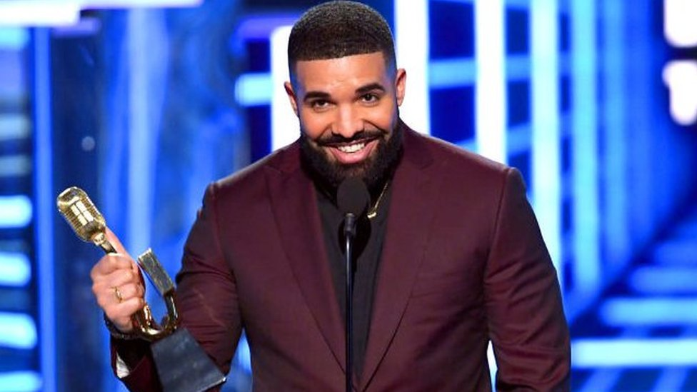 BBC News - Billboard Music Awards: Drake breaks record for number of prizes