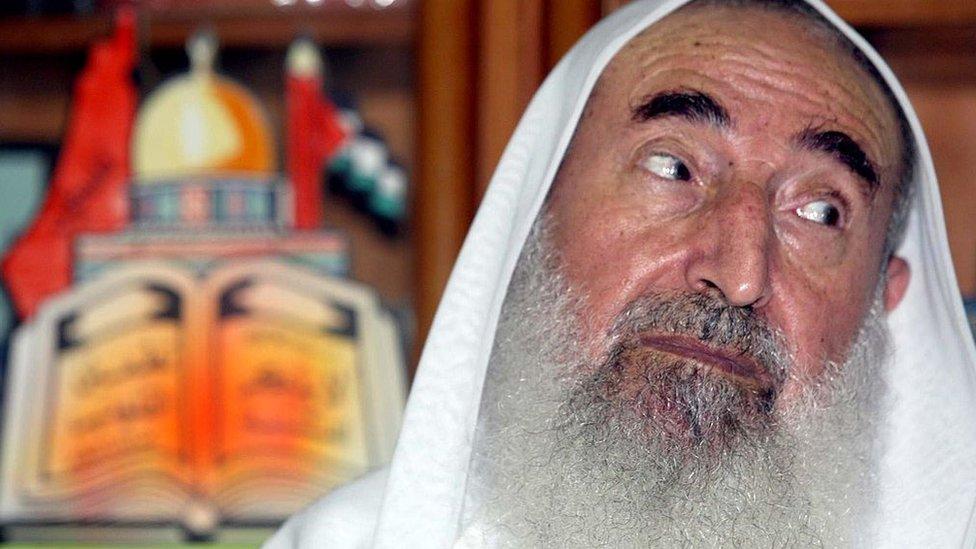 El jeque Ahmed Yassin, fundador de Hamás, julio de 2002