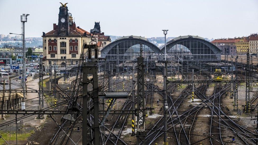 Два поезда столкнулись в Чехии, десятки раненых, сообщают о погибших