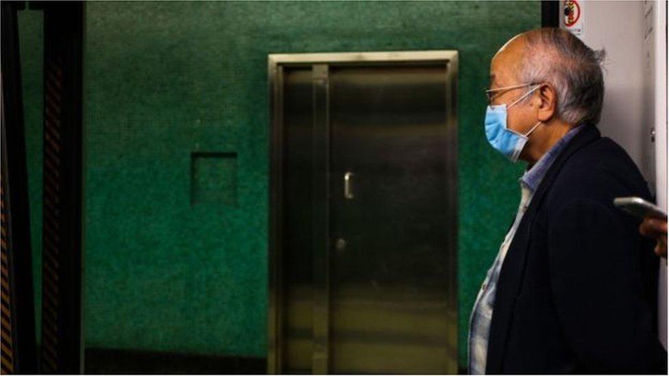 Primeiros casos do novo coronavírus foram descobertos em Wuhan, na China. Origem do vírus ainda é incerta e é alvo de pesquisas