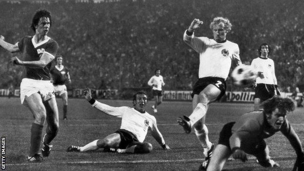 Jirgen Šparvaser postigao je pobedonosni gol na utakmici u Hamburgu