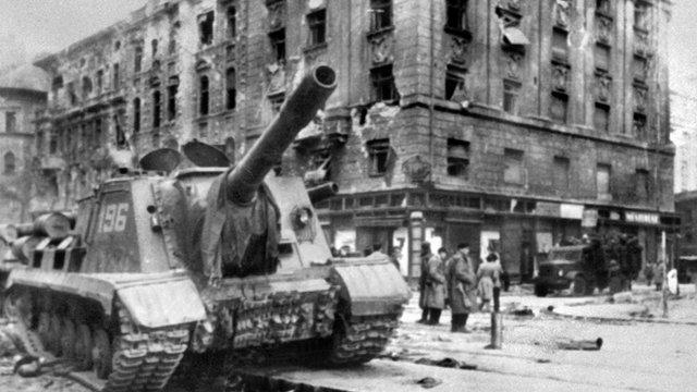 Soviet tanks in Budapest