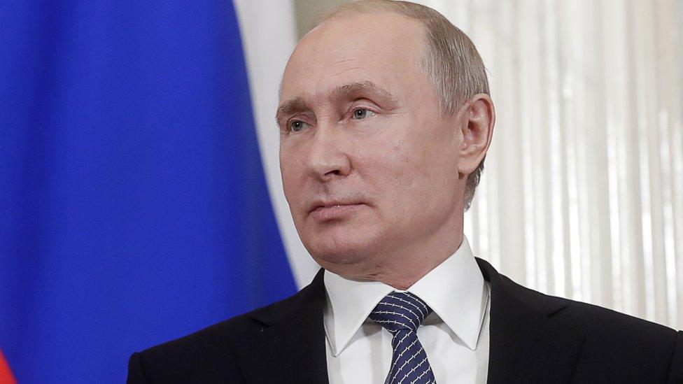 Путин расширил действие указа о выдаче паспортов жителям Украины