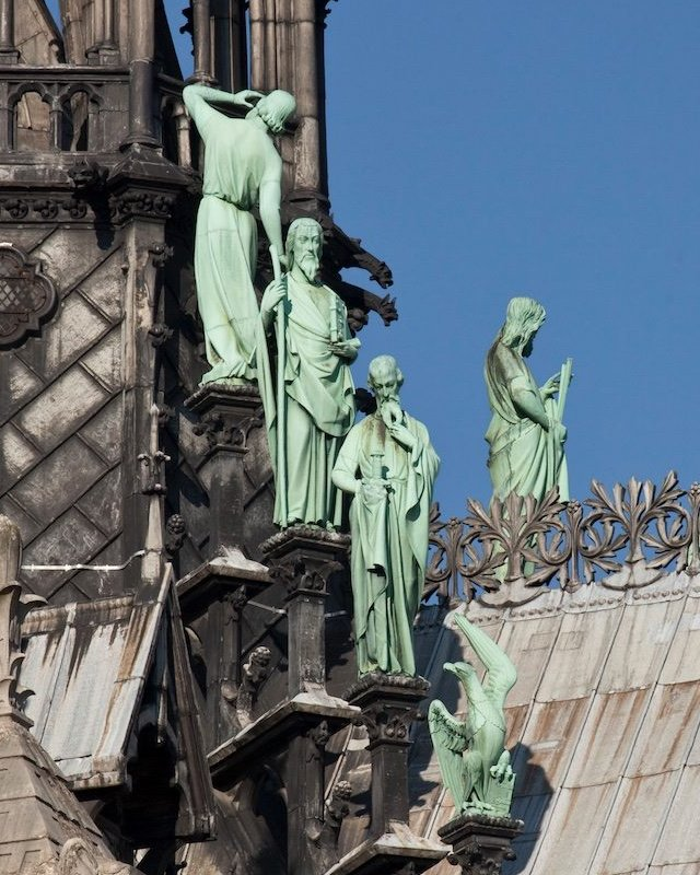 Estatuas de Notre Dame.
