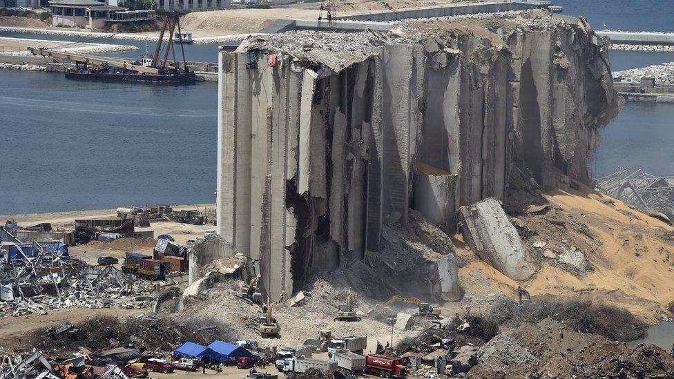 Pelabuhan Beirut setelah ledakan maut