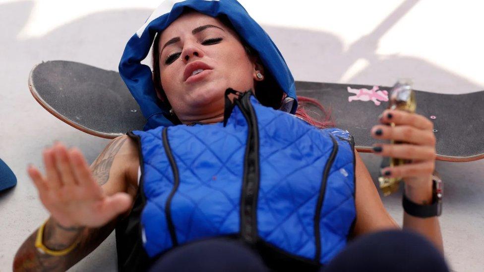 Takmičari i zvaničnici dobili su prsluke za hlađenje koji će im pomoći da ostanu rashlađeni tokom događaja