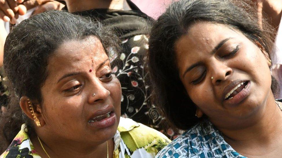 Sri Lanka: asciende a 359 el número de muertos tras los ataques con bombas a var ...