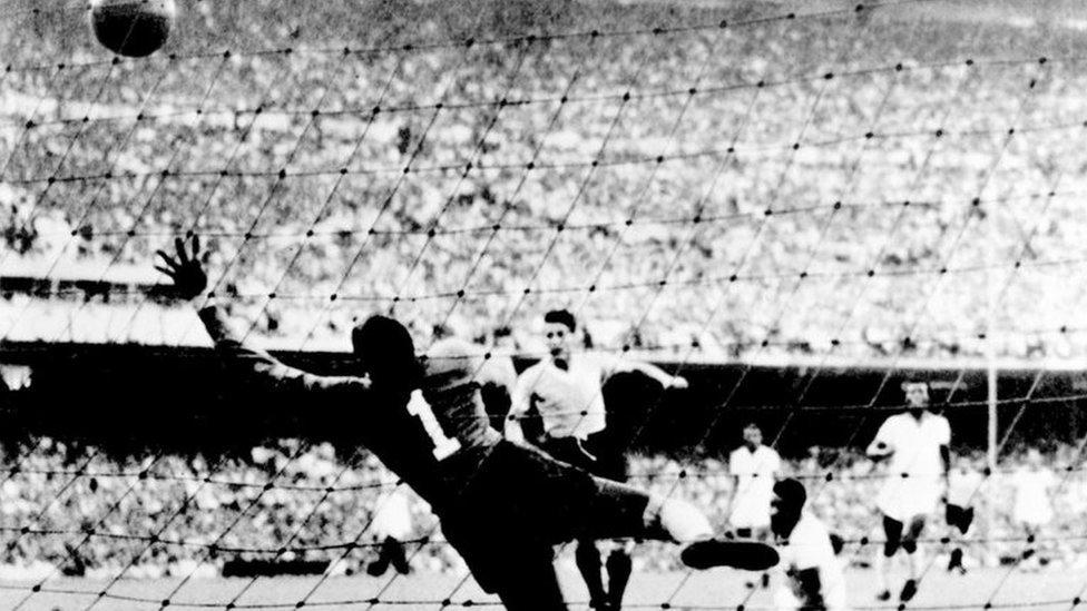 La final de la Copa Mundo 1950 entre Brasil y Uruguay.