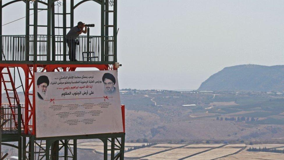 برج مراقبة في قرية مارون الراس على حدود لبنان مع إسرائيل