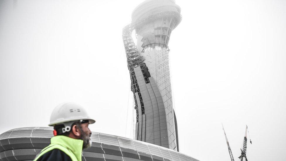 Torre de control del nuevo aeropuerto de Estambul
