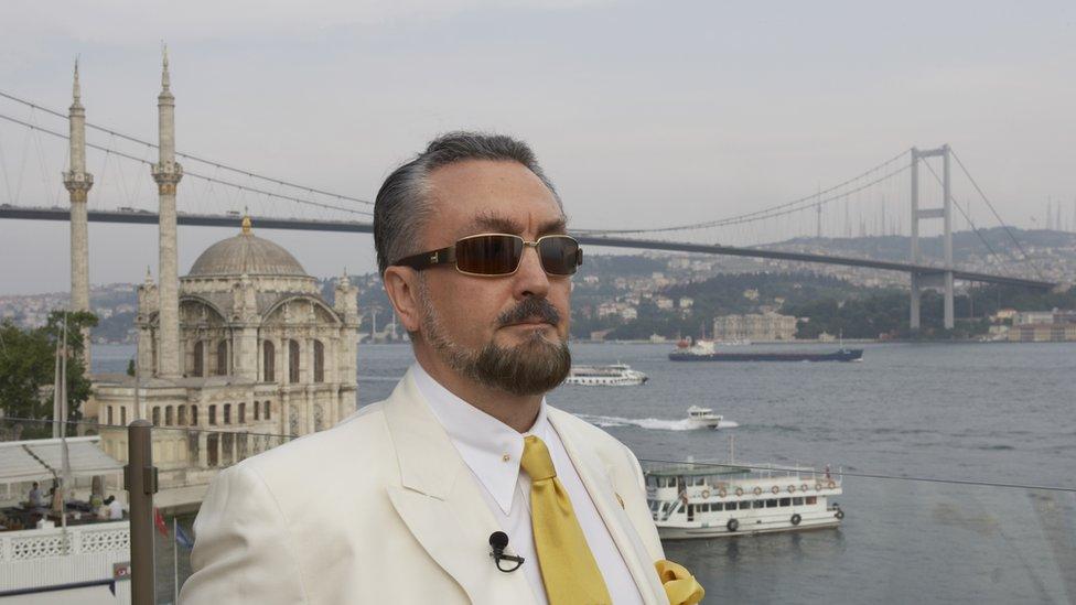 Adnan Oktar en Estambul