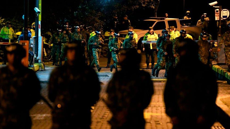 Miembros del ejército colombiano en las calles