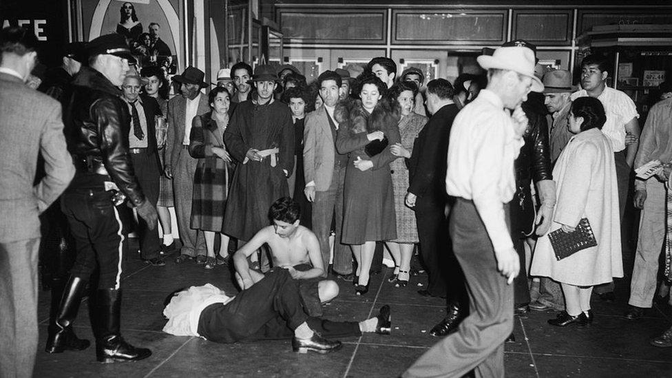 Jóvenes que resultaron golpeados