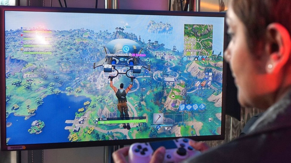 Fortnite: Schools 'could learn lessons from gaming'