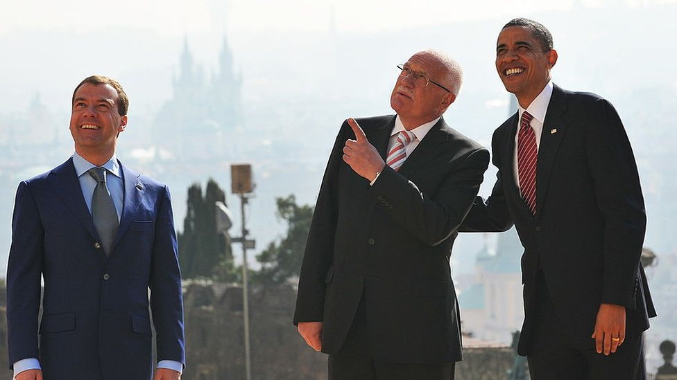 Barack Obama poses for a photo with his Czech counterpart Vaclav Klaus (C) and Russian President Dmitry Medvedev at Prague Castle on April 8, 2010