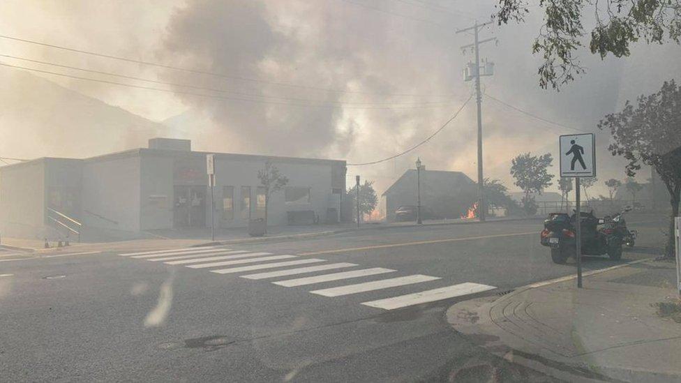 الحرائق في قرية ليتون الكندية