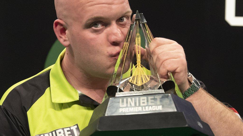 Van Gerwen beats Cross to win Premier League title