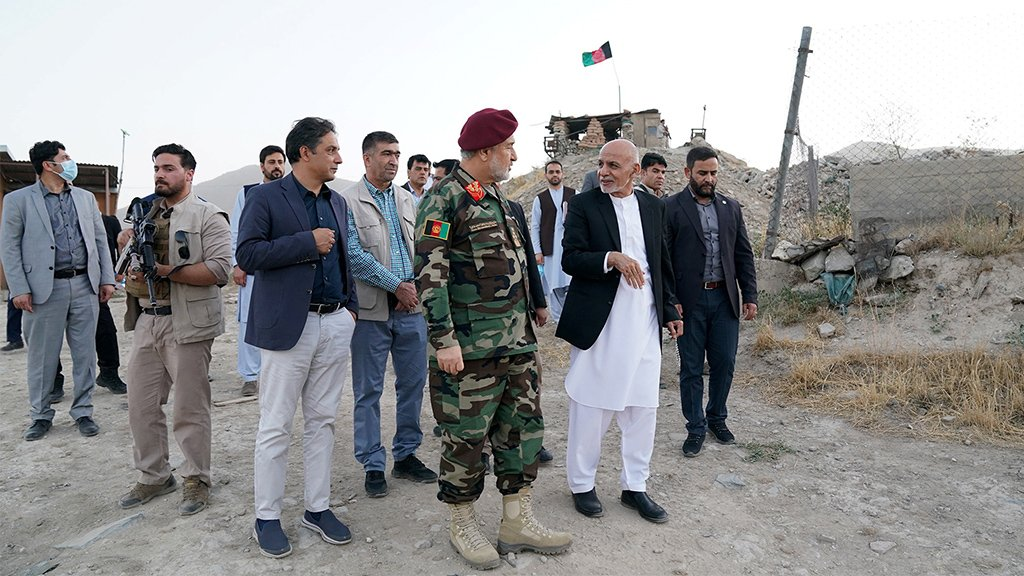 Ashraf Ghani y el ministro de Defensa interino Bismillah Khan Mohammadi