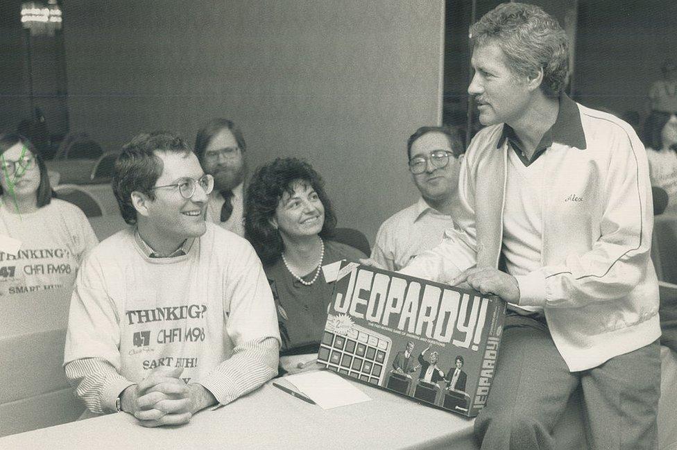 Jeopardy tuvo su debut en la cadena estadounidense NBC en 1964.