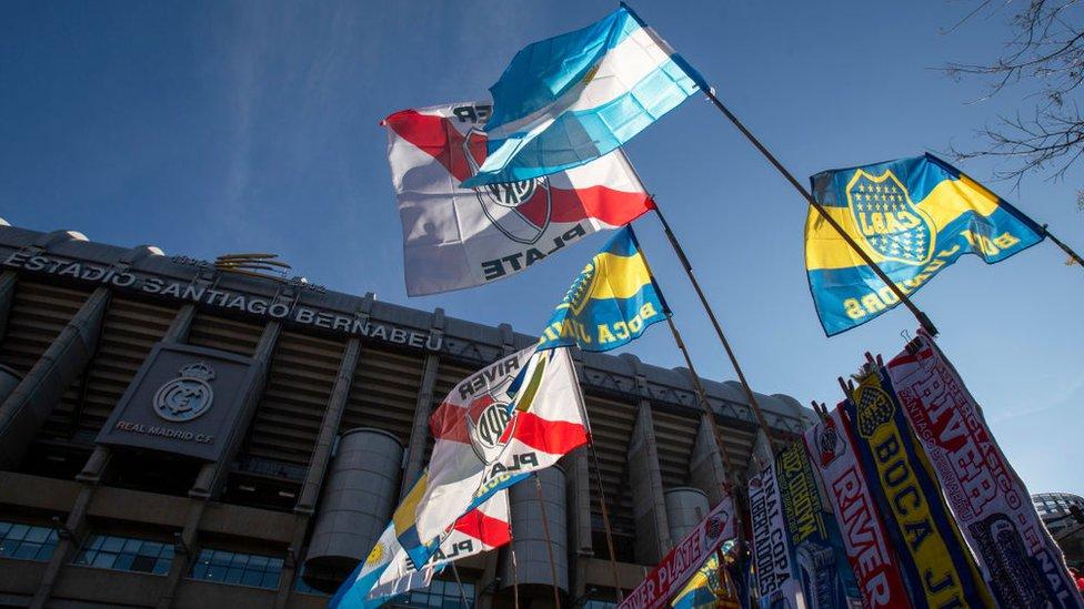 Banderas de Argentina, River y Boca