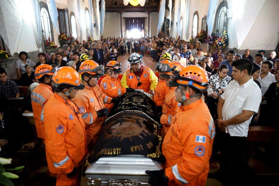 مراسم جنازة خوان فرناندو غاليندو