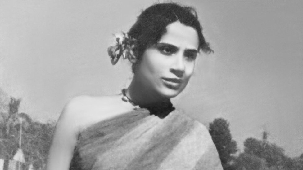 The only professional actor in the film, Tripti Mitra, was a well-known Indian theatre actor