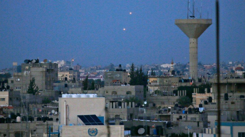حماس ترد على عملية غزة بإطلاق صواريخ