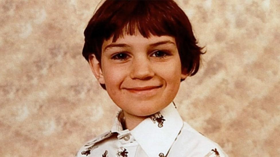 آدي غوديار عندما كان طفلاً