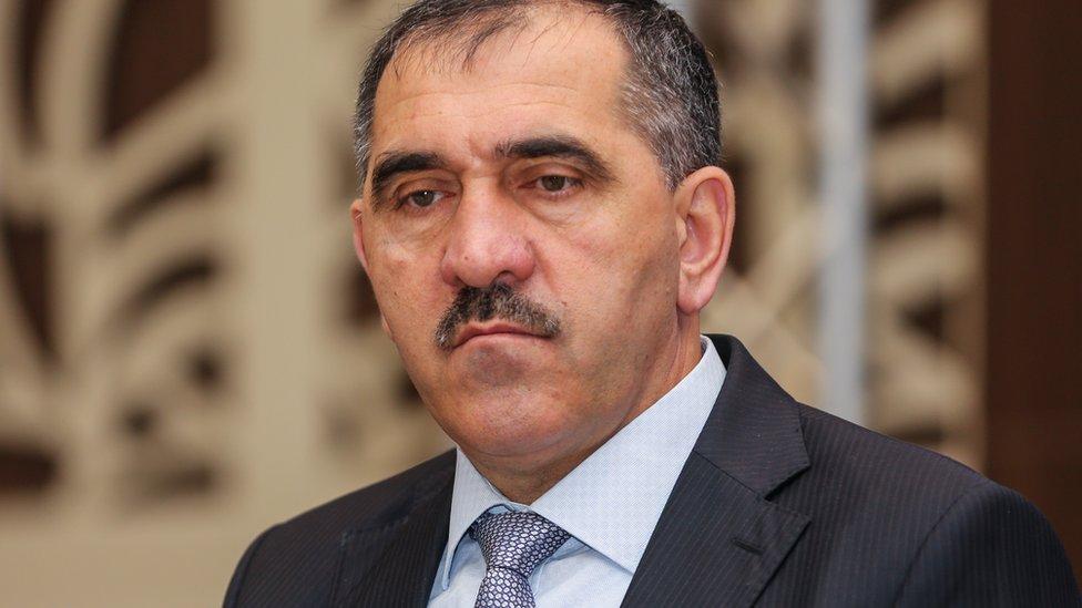 Юнус-Бек Евкуров ушел с поста главы Ингушетии. Он пожаловался на разобщенность