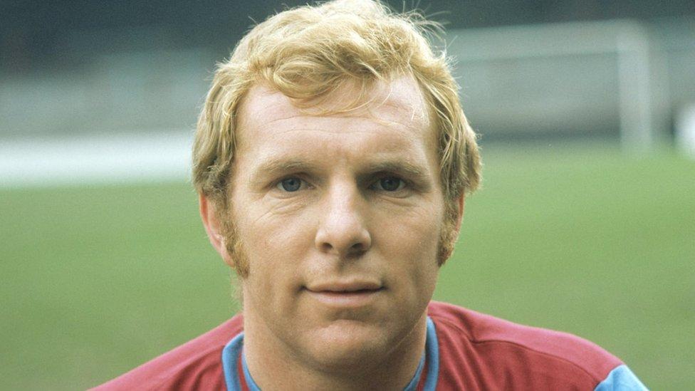 Una leyenda del fútbol inglés: Bobby Moore.