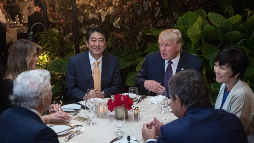 The two leaders dined at Mar-a-Lago days after inspectors found poor sanitation at the club's restaurant