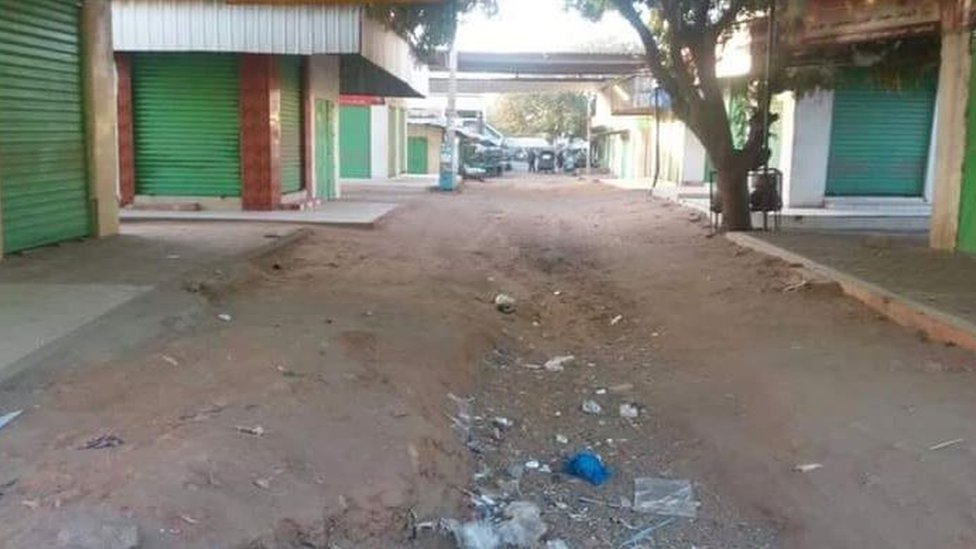 A picture showing closed shops in an area in Sudan.