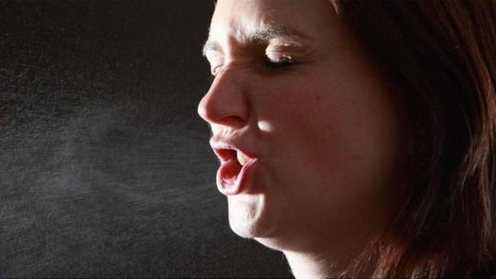 要理解背後的原因,就需要了解咳嗽和打噴嚏的動力學特性(圖片來源:Getty Images)