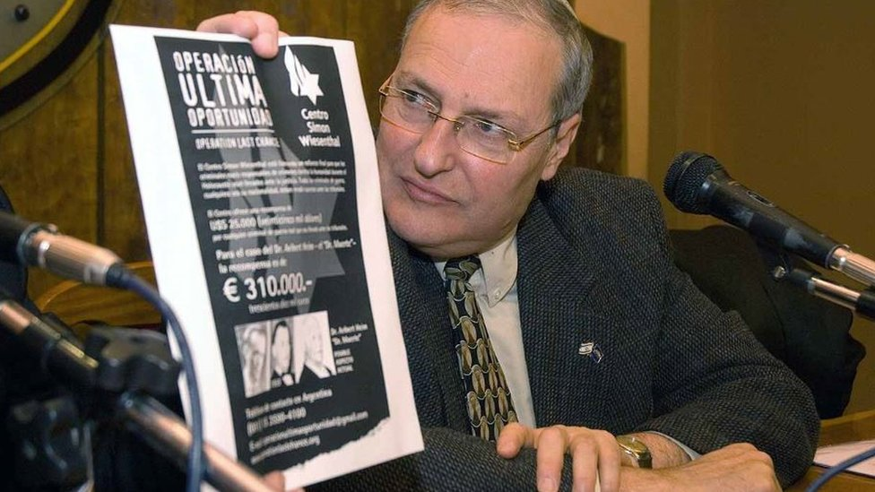 Zuroff, en rueda de prensa en Argentina.