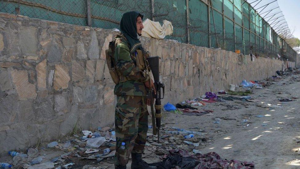 Nobet bekleyen Taliban