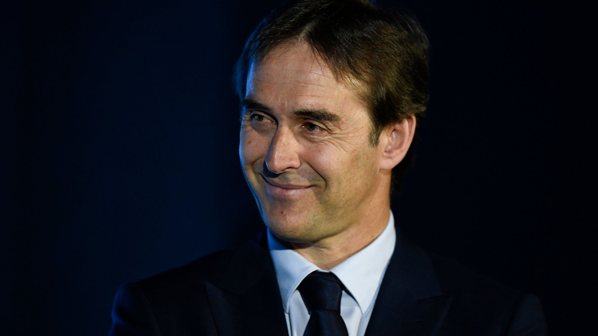Coach Lopetegui signs new Spain deal