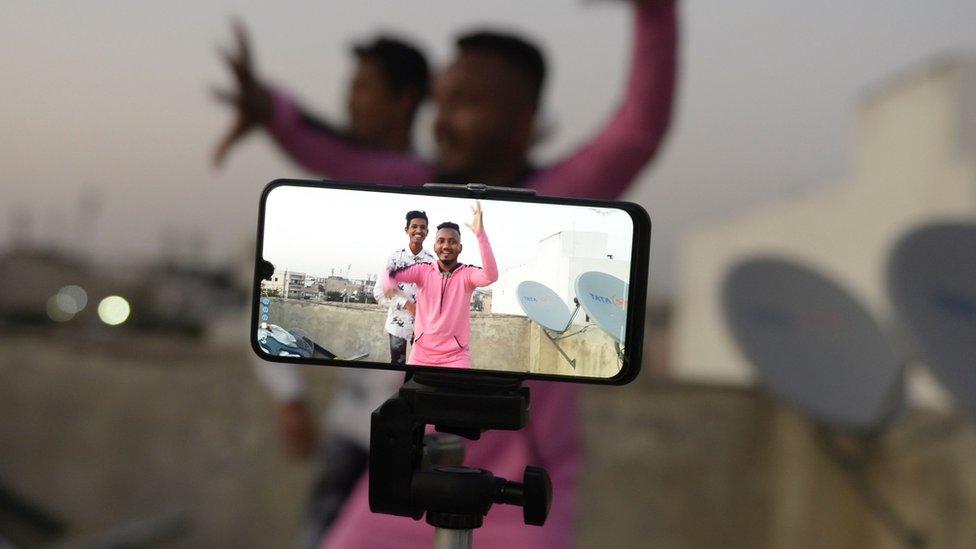 منذ إطلاقه في عام 2018، ألزم تيك توك مستخدميه بـ 60 ثانية لكل مقطع فيديو