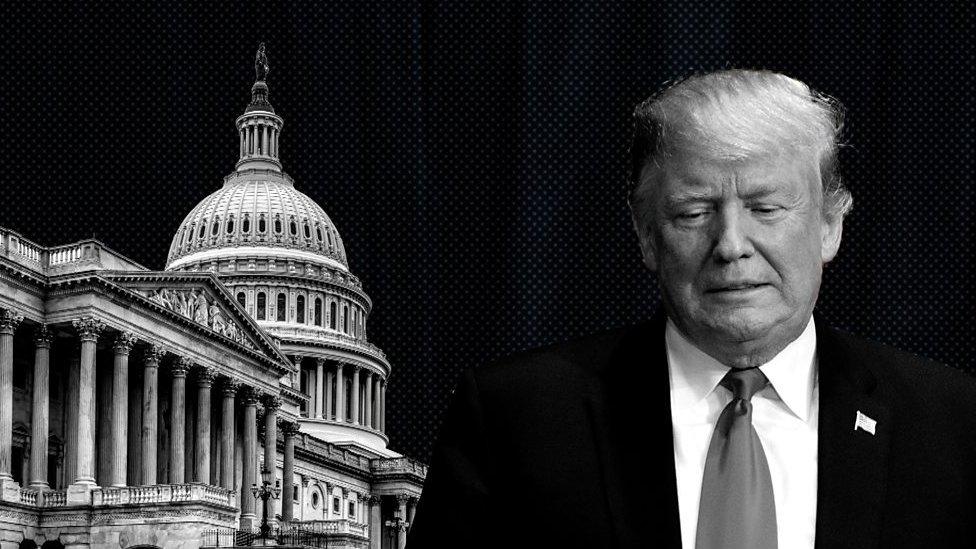 Una imagen compuesta del Capitolio y el presidente Donald Trump