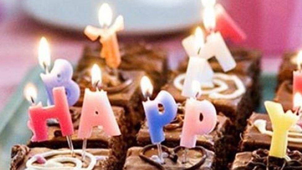 गुजरातः सूरत में सार्वजनिक जगहों पर जन्मदिन मनाने पर लगी रोक