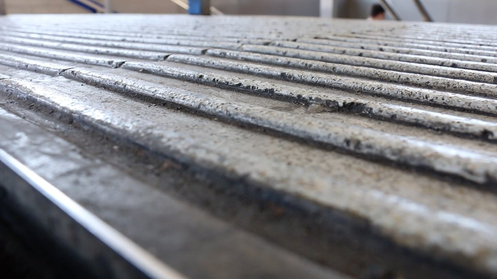Corduroy tactile paving