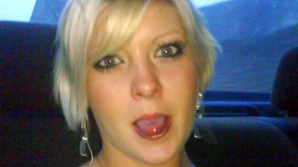 Bullied inmate who killed herself 'was failed by prison'