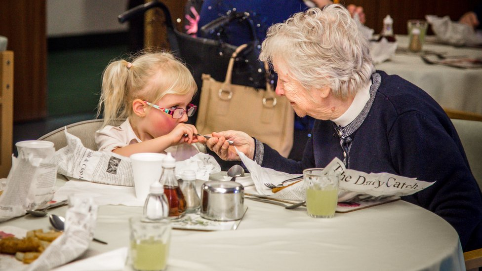 Toddlers to help dementia patients in Conwy restore memories