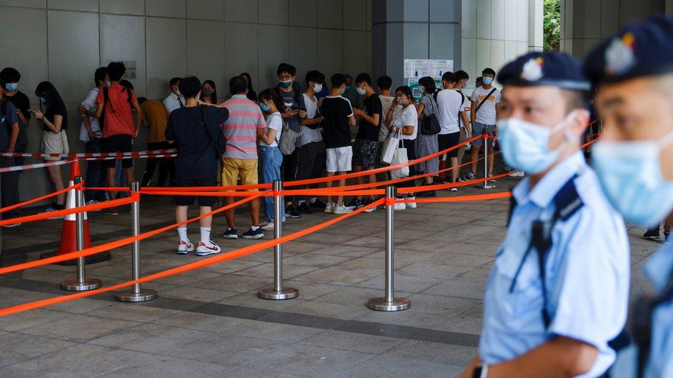 香港高等法院外市民排隊輪候旁聽唐英傑案判刑(30/7/2021)