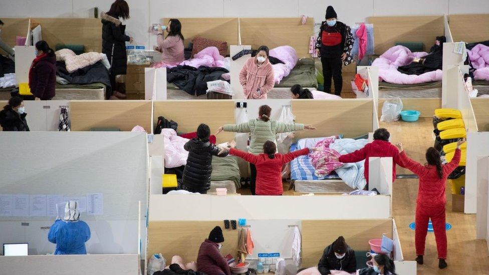 Hospital temporario en China