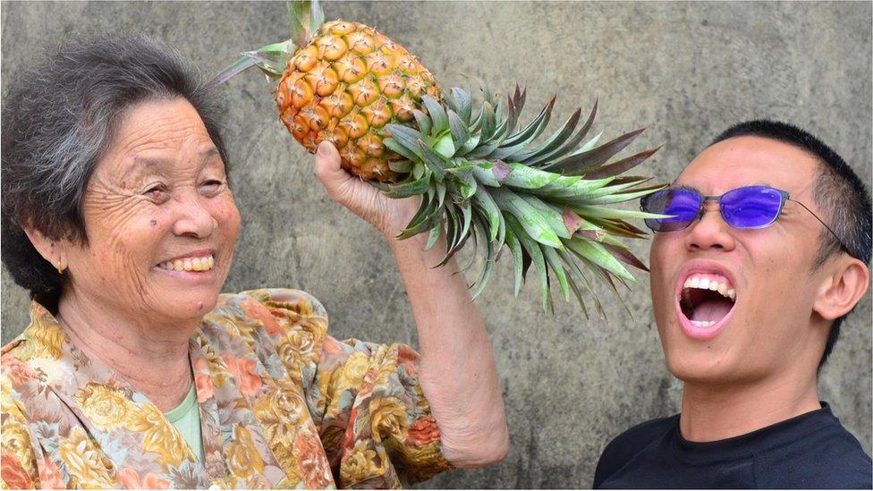 Yang Yufan, un conocido productor de piña orgánica del sur de Taiwán