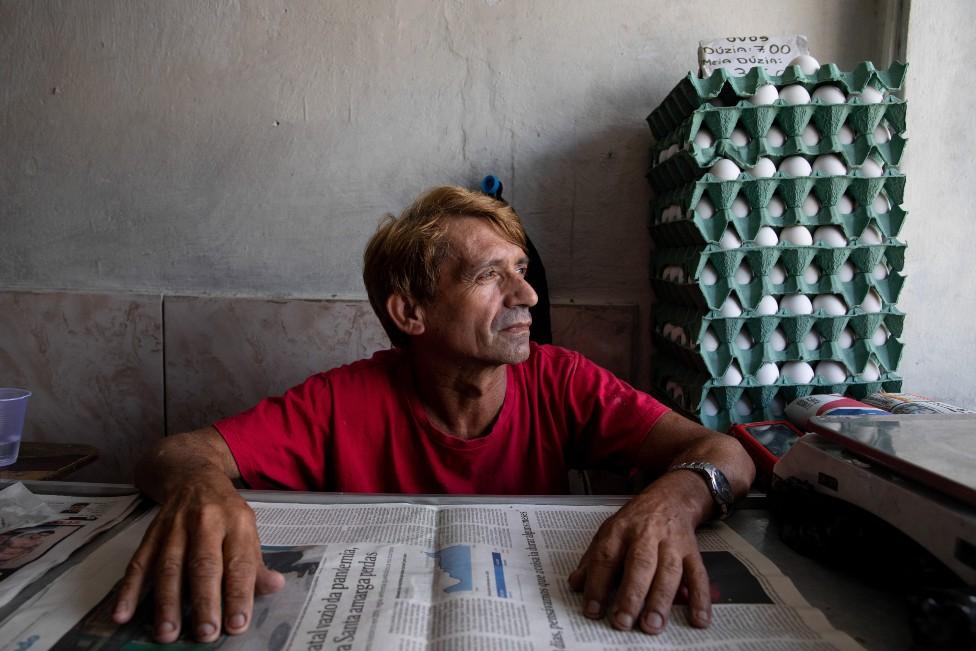 Claudeci Gonçalves in his shop