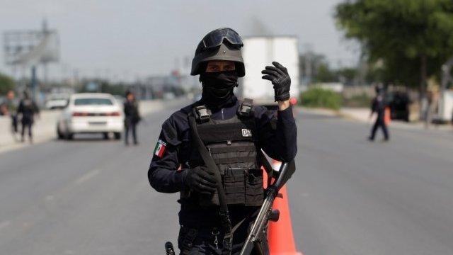 Policía en México