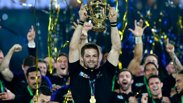 New Zealand captain Richie McCaw holds aloft the Webb Ellis Cup after winning the 2015 Rugby World Cup