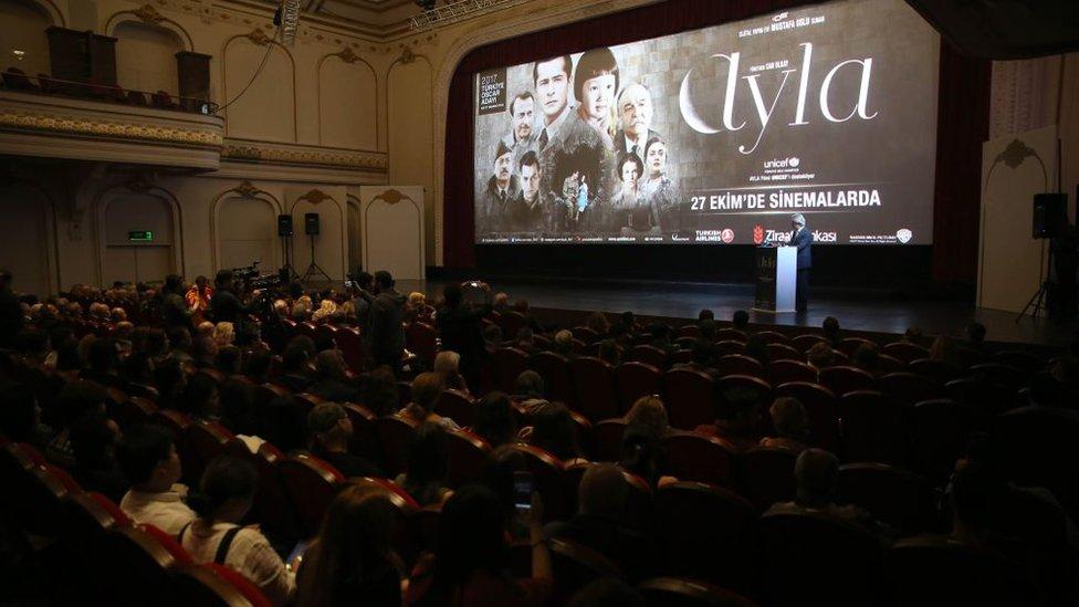Türkiye'nin 2017 Oscar adayı filmi Ayla'nın 16 Ekim 2017 tarihinde İstanbul, Türkiye ön gösterimi Grand Pere Emek Sineması'nda gerçekleşti.